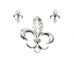 Antique Silver Circle Design Fleur De Lis Pendant Earring Set