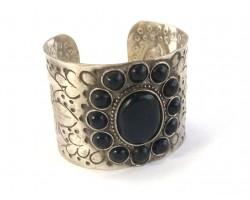 Black Oval Center 12 Stone Old World Cuff Bracelet