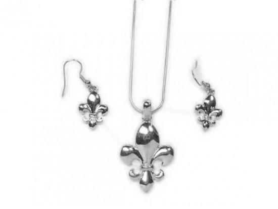 Silver Fleur De Lis Pendant Chain Necklace Set
