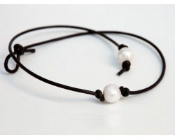 Single Pearl on Knotted Leather Necklace