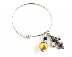 Black Gold Beaded Fleur de Lis Charm Wire Bangle