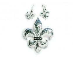 Hammered Silver Fleur De Lis Pendant Earring Set