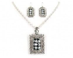 Houndstooth Rectangular Silver Chain Necklace